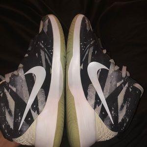 Nike KD trey 5 black and white